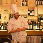 Chef Manuel, italianul care vrea să deschidă o școală de bucătari la Sibiu