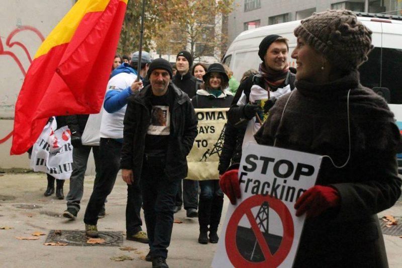 agora-12  Te simți român doar de 1 Decembrie? Ridică-te și schimbă ceva! agora 12 800x533