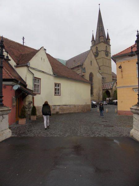 sibiu, un oraș din altă epocă Sibiu, un oraș din altă epocă sibiu4 450x600